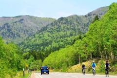 遠景近景「カルデラを走る 上士幌」 3