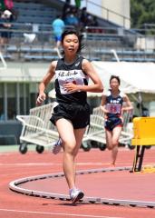 女子1500メートル決勝 門脇月鈴(緑南)