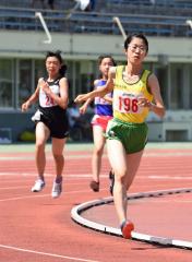 女子800メートル決勝 中橋奏瑛(帯緑園)