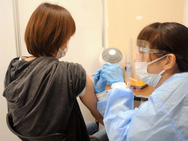 幼保職員の接種開始 学校教員も月内に 市コロナワクチン