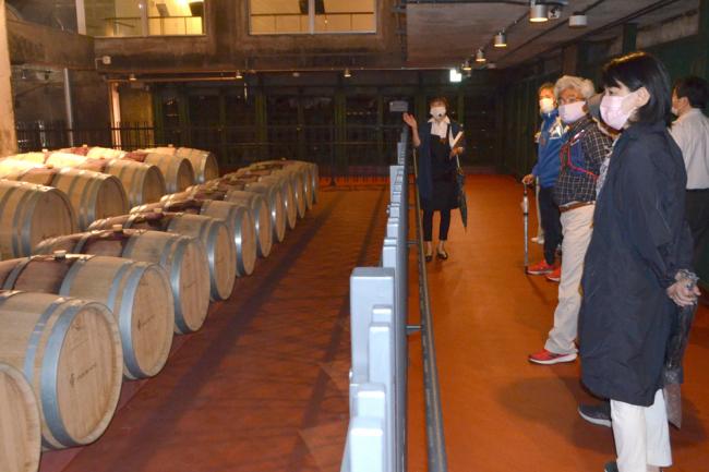 ワイン城で平日限定の「ミニワイナリーツアー」 池田