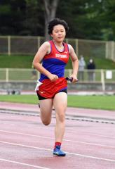 女子6年400メートルリレー Spo―RE札内・朴木毬乃