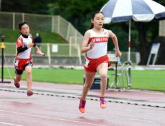 女子6年400メートルリレー 十勝陸クA・福田琴世