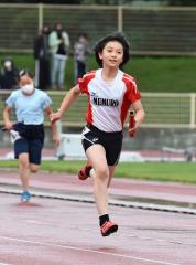 女子4年400メートルリレー 芽室陸少・水戸梨緒
