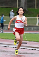 女子4年400メートルリレー 十勝陸クA・笹渕花乃
