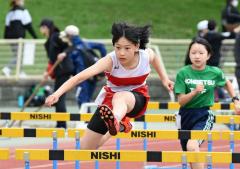 女子6年80メートル障害 瀬口歩叶(十勝陸ク)