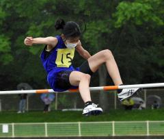 【女子6年コンバインドA・走り高跳び】自己ベストの1メートル32をクリアした山内咲耶(上浦幌中央陸少)。80メートル障害も自己ベストを更新し、1801点の大会新を樹立した