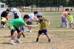 スキンシップを取りながら運動を楽しんだ親子オリンピック
