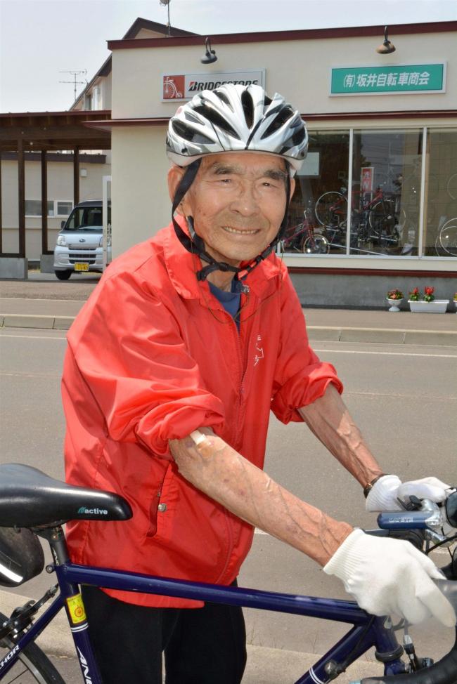 92歳、毎朝歩いて自転車で走って30キロ超 上士幌の坂井さん