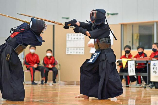 緑南が男子団体V、女子は駒場 個人は帯四の内野と井上 全十勝中体連剣道
