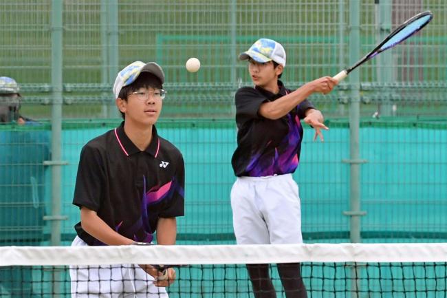 竹市・松田組男子個人V 女子は1年生の嶋野・渡邊組 全十勝中体連ソフトテニス