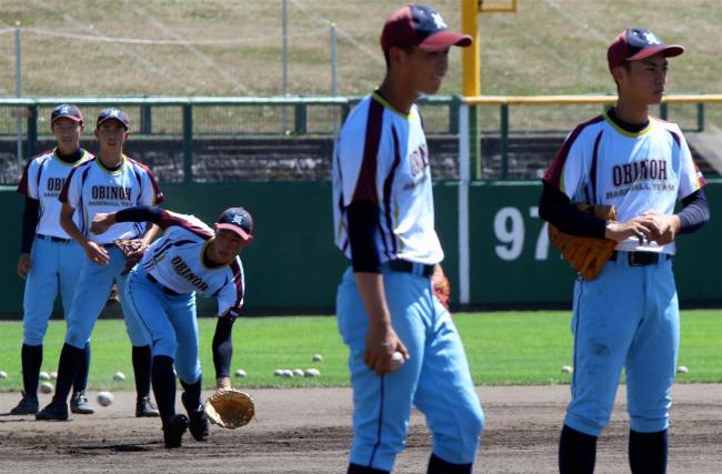 甲子園出場の帯農野球部が練習公開、冷却ベストなど暑さ対策も万全に
