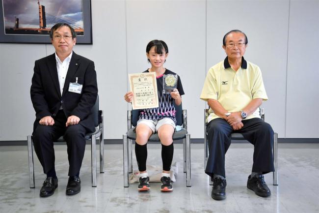 バドミントン奥田紗世選手(北栄小6年)が全国大会に向けて市教育長を訪問