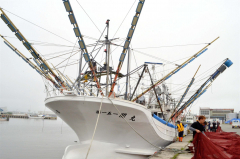 サンマ棒受け網漁用の小型船