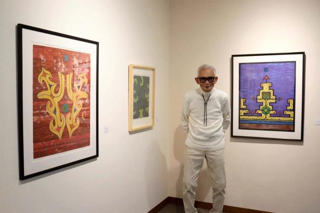 アイヌ文様の線や配色生かす 幕別の版画家千葉さんが作品展