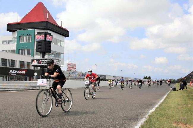 更別でママチャリ耐久レース 39チームが駆け抜ける