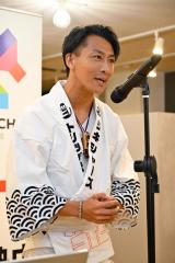 人力車で日本縦断に挑戦する鈴木悠司さん(10日、金野和彦撮影)
