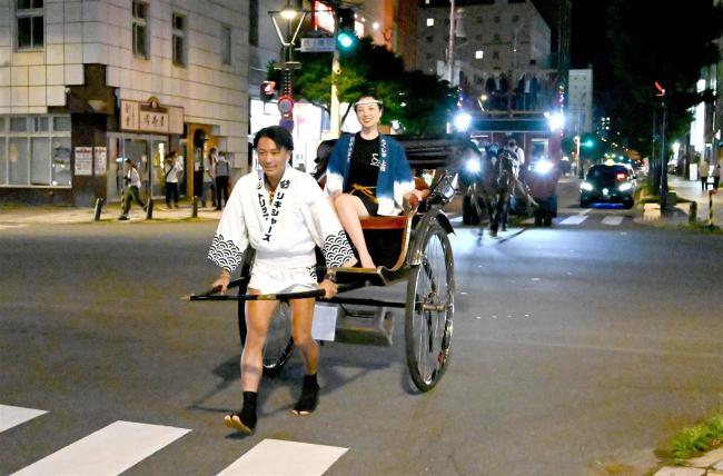 帯広から人力車で日本縦断3000キロの旅 京都出身の鈴木さんが出発