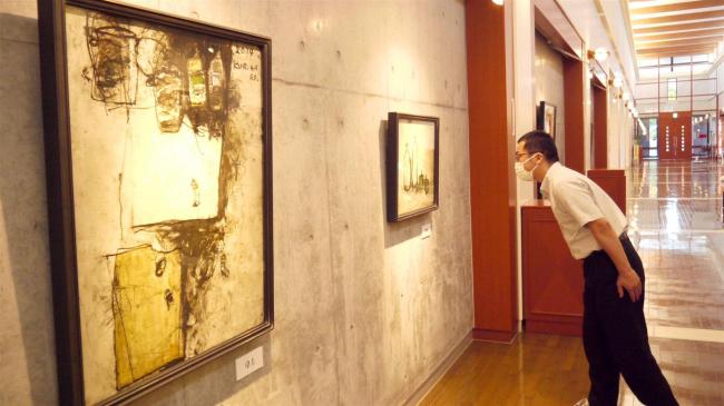 中札内で栗原さんの油彩画展