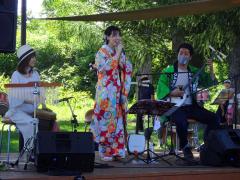 三味線の音色と歌声楽しむ 加藤さんが麦音ライブ 3