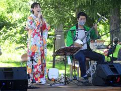 三味線の音色と歌声楽しむ 加藤さんが麦音ライブ 4