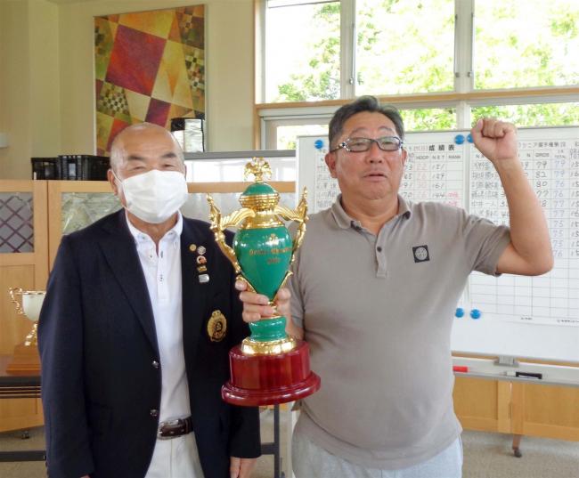 市村満雄プレーオフ制して初優勝、十勝CCシニア選手権