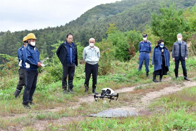 山林遭難者をドローンで捜索 幕別で訓練