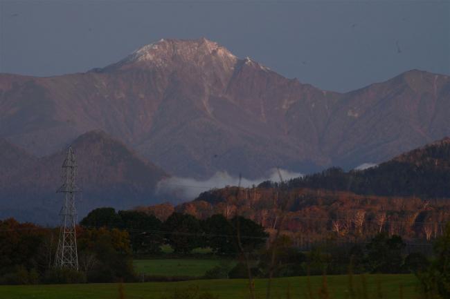 十勝で初の氷点下に ウペペサンケ山とニペソツ山で冠雪も