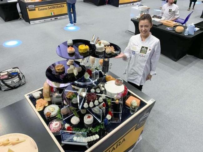 「この経験を日本のチーズの発展に役立てたい」フロマジェ世界3位の長原さん、意欲新た