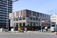 旧帯広経済センタービル跡地に建設された3・9店舗棟
