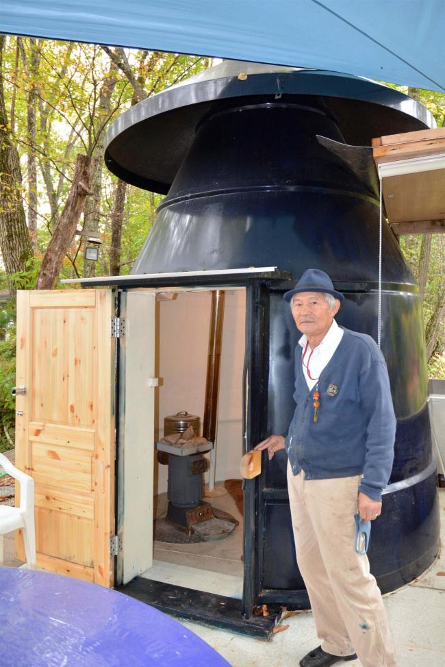 飼料サイロで手作りサウナ 清水旭山の三島さん
