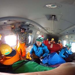 南極観測船「しらせ」搭載ヘリコプターの内部