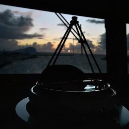 「しらせ」艦橋からの夕日(12月5日)