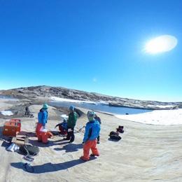 南極大陸スカーレン