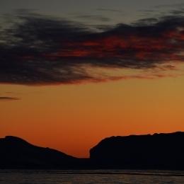 アムンゼン湾の夕焼けと氷山